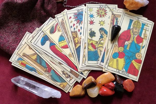 Como limpiar las cartas de tarot